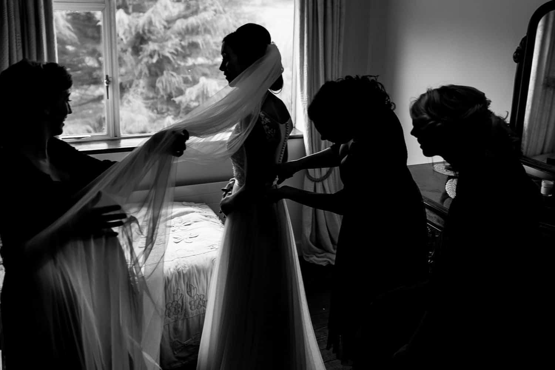 GARETH MCGAUGHEY PHOTOGRAPHY - BELLINGHAM CASTLE WEDDING 00029