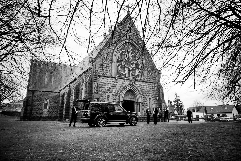 GARETH MCGAUGHEY PHOTOGRAPHY - BELLINGHAM CASTLE WEDDING 00033
